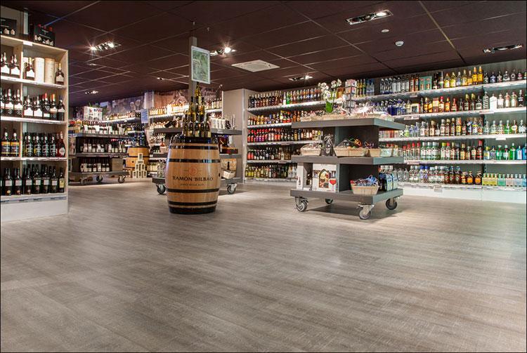 winkel voorzien van coretec vloer